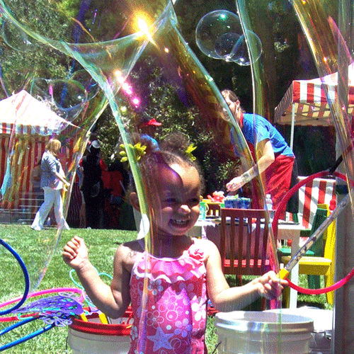 best-bubble-parties-little-girl-outside