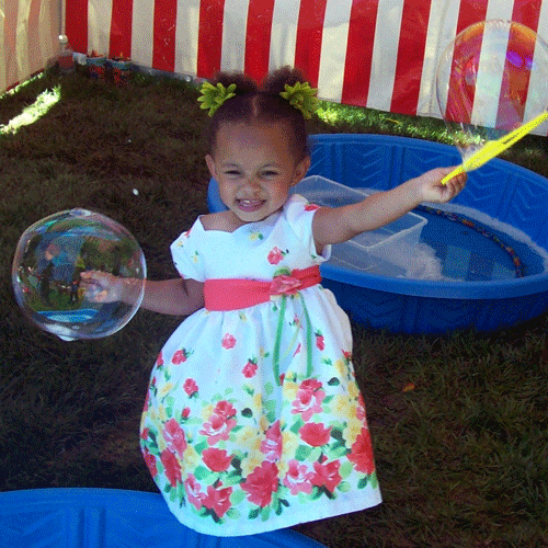 best-bubble-parties-outside-make-bubbles-500-x-500.png
